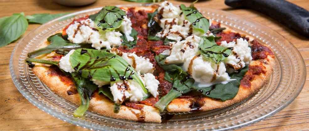 פיצה של מסעדת אוליברי (צילום: באדיבות המקום)