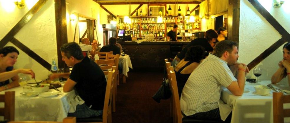 ארוחה במסעדת המחבוא של אדי
