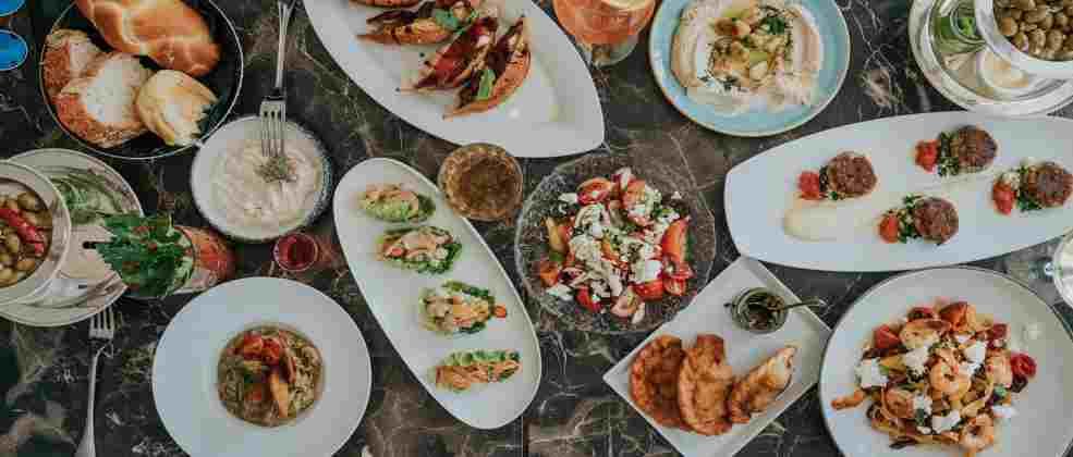 בראנץ' במסעדת הולה (צילום: ספיר קוסא)