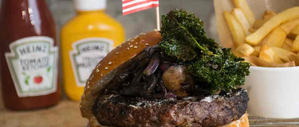 המבורגר במסעדת סאנסט (צילום: באדיבות המקום)