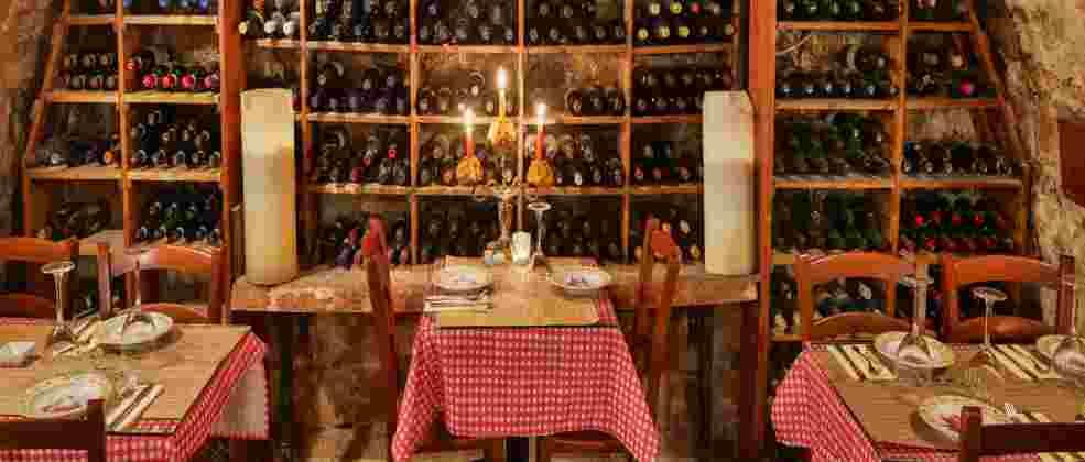 מרתף היין העתיק בזכרון יעקב (צילום: באדיבות המקום)